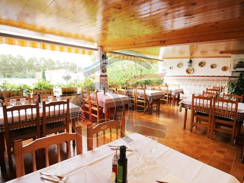 Restaurant, Bar and Housing located in the center of Castell d'Aro, Costa Brava. The two premises are fully equipped and fully functioning and consist of 4 dining rooms and a nice terrace overlooking the Plaza del Carrilet. They have a space for 77 d...