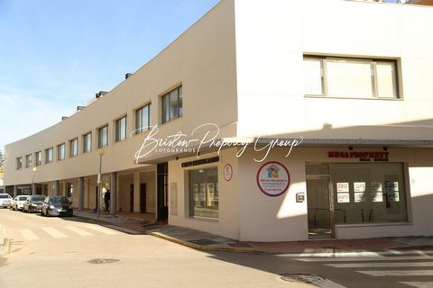 A fully functional office within a secure block, close to Sotogrande and the main Pueblo Nuevo center. Situated on the first floor this unfurnished but fitted and decorated office space is ready for immediate occupation. The space is 47.44 m2 and has...