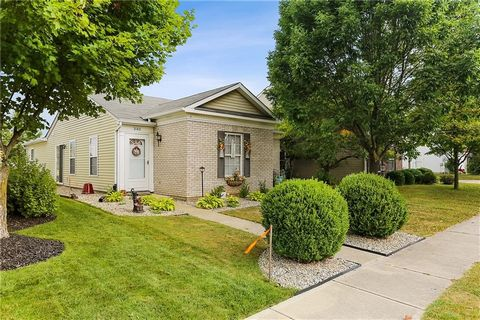 Darling , well maintained 3 bedroom .( Master with walk-in closet) 2ba home with two car garage with nice epoxied floors and PARK LIKE SETTING No homes in the back of home.