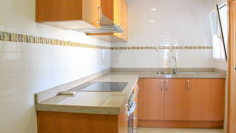 Beautiful apartment with garage and storage room with first qualities located in Pego, a few kilometers from the sea and just 15 minutes from Denia. The apartment is ready to be installed in it and be enjoyed, having a total of approximately 106m2 ve...