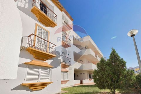 Description Vale Crab - Tavira. 1 bedroom apartment with excellent areas, Ideal to monetize or even for own housing, Inserted in a condominium with swimming pool, tennis and bar, Close to all services and easy access, The property is in excellent con...
