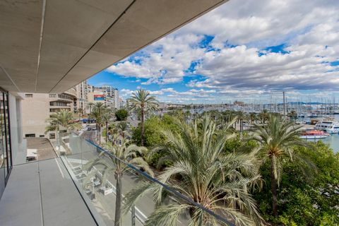 Luxurious newly built apartment located on the Paseo Marítimo de Palma, combining the luxury of its interior design with the best views of the city. Located in front of the marina, the project has been designed to maximize the exterior panoramic view...