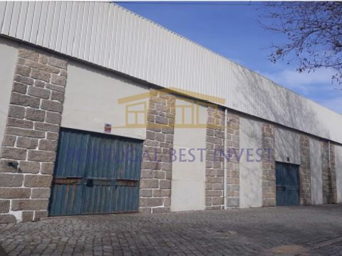 Industrial warehouse located in Vila Nova de Gaia, Arcozelo (Miramar), consisting of a group of 3 independent ships, with total land area of 25,389 m², of which 8,000 m² of covered area and possibility of duplication of the existing construction area...