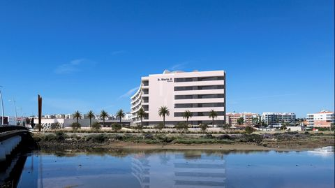 Located in Lagos. Based on the highest level of architecture and construction, this will undoubtedly be one of the most sought after and desired projects in the Algarve. 2024 will be the year this luxury condominium will be completed. Apartments of d...