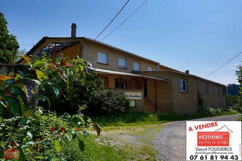 Ardèche,sur la commune de Gilhac et Bruzac,au dessus de Saint Laurent Du Pape, je vous propose un grand batîment commercial d'environ 400m² habitables
