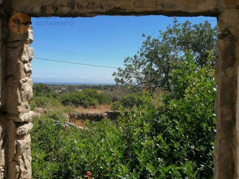 Between the towns of Olhão and Moncarapacho, with unobstructed views of the Mountains and the Sea, you can build your Dream Villa. The ruin is inserted in a land with 10040m2, with a housing construction area of 65.90m2 and agricultural dependence of...