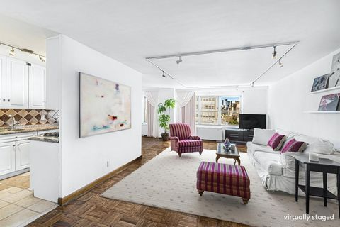 This magnificent, oversized, sunny apartment with south views over the Village, is a rare gem! The large picture windows face downtown, and frame the Freedom Tower perfectly. You can also see The Jefferson Market Library. When you add in the fact tha...