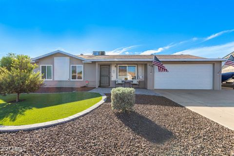 GORGEOUS 3 bedroom, 3 bathroom ready for you to move in!! Large master bedroom and closet. Lot is slightly under 10000 sq ft and has been newly landscaped in front and back with new auto timer timer/irrigation system. New nest thermostat, new dryer v...