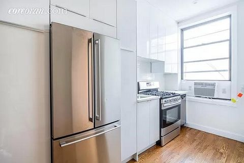 Introducing 383 Knickerbocker Ave, Premium Flagship Corner Mixed-Use building in heart of Bushwick in its Busiest Retail & Residential Corridors. Extraordinary opportunity for new ownership to use as a primary to do live/work, re-position the existin...