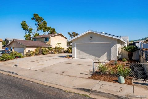 Stunning 4 bedrooms 2 bathrooms home ready to move in! Kitchen has been updated with recessed lighting, shaker style cabinets, quartz countertops, breakfast nook and beautiful custom tile backsplash. Master bedroom has its own bathroom with updated v...