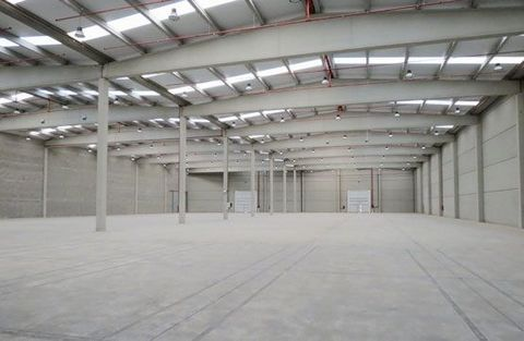 Logistic Warehouse for sale in Brafim, with 231,544 ft2 and Loading Dock.