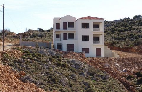 Properties for sale in Kontopoula with panoramic views of the entire bay of Chania and the port of Souda a) Unfinished building of 5 apartments on a plot of 4.000 sq.m. with a total area of 336.13 sq.m. Price 300.000 euros. b) Three plots of four acr...