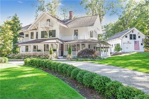 This former residence of Princess Pignatelli was built as a Swiss Chalet in 1897 and allows you to enjoy the charm and beauty of that period with the convenience of the 21st century.The 9 ft ceilings, 5 fireplaces,primary suite with a dressing room,f...
